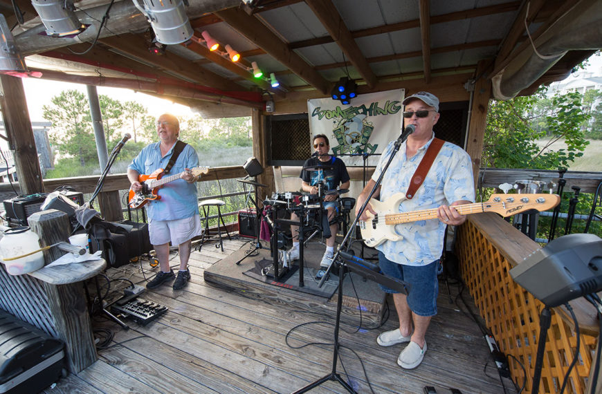 Live music at Hammerhead's Bar and Grille in Destin, Florida