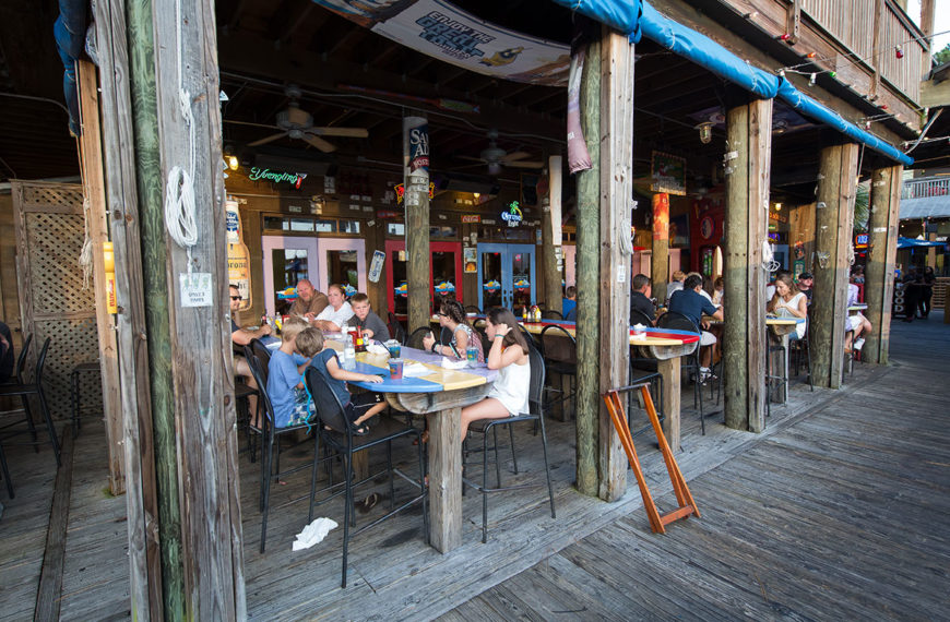 Casual, dockside dining at Hammerhead's Bar and Grille in Destin, Florida